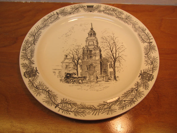 VINTAGE WEDGWOOD DECORATIVE PLATE OF THE HENRY FORD MUSEUM TOWER