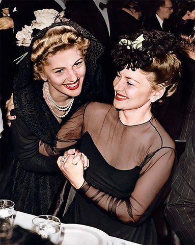 Olivia de Haviland and Joan Fontaine