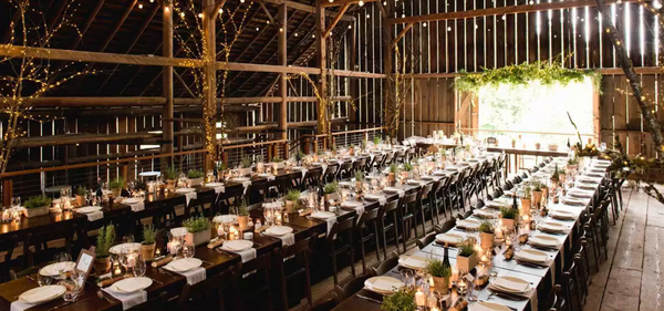 Dressingvintage.com Barn wedding