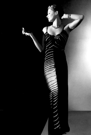 Lisa Fonssagrives in the late 1930s - photograph by George Hoyningen Huene