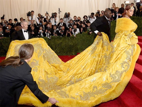 Rihanna in Guo Pei couture cape MET gala 2015