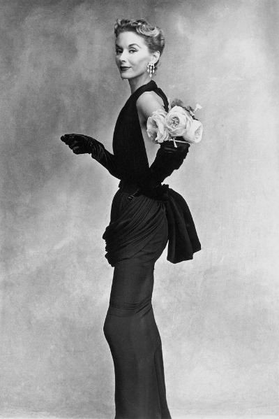 1950 photograph of Lisa Fonssagrives Woman with Roses on Her Arm by Irving Penn