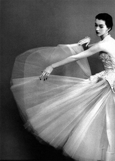 Dovima twirling in Balenciaga for Richard Avedon in 1950