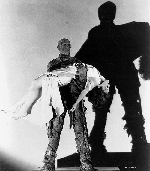 Lon Chaney and Peggy Moran in The Mummy's Hand 1932