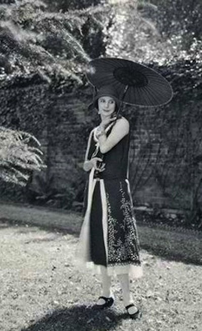 Anna Pavlova in 1927 at Ivy House