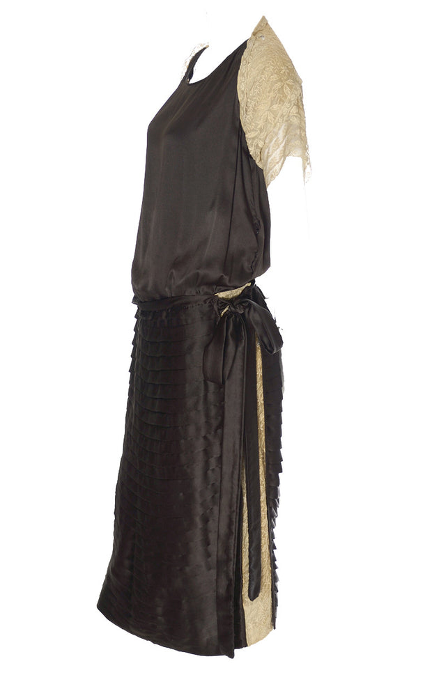 1920s Dress in Brown Silk with Lace Trim
