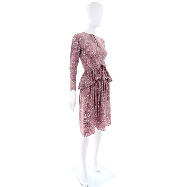 1940s Novelty Toile Print Mauve Rose Pink Vintage Dress w Peplum