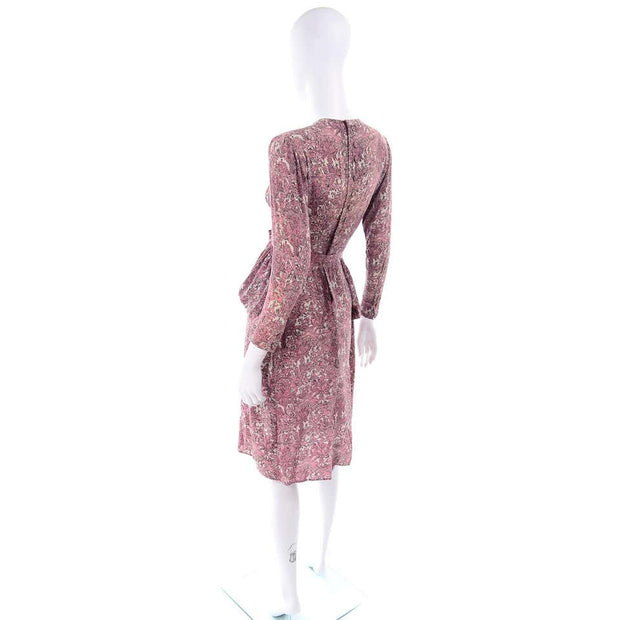 1940s Novelty Toile Print Mauve Pink Vintage Dress w Peplum 40s