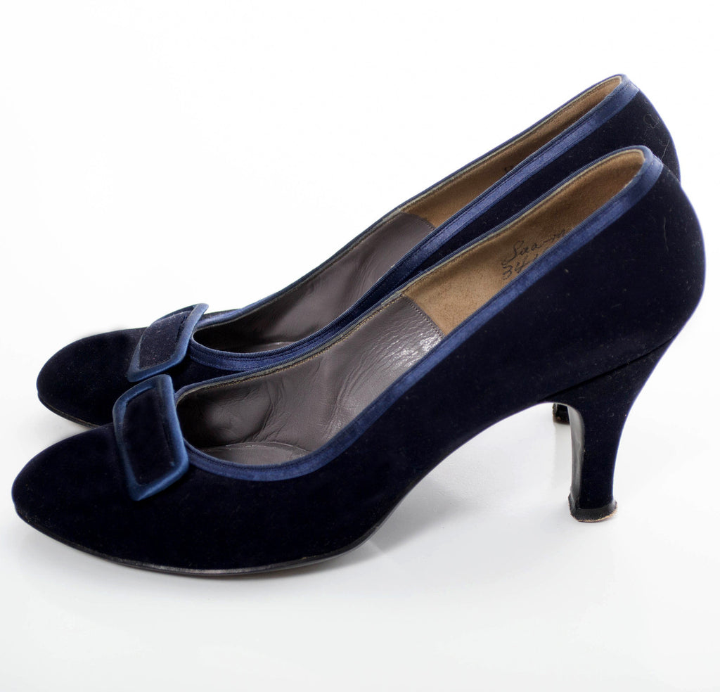 Blue velvet vintage shoes Evins