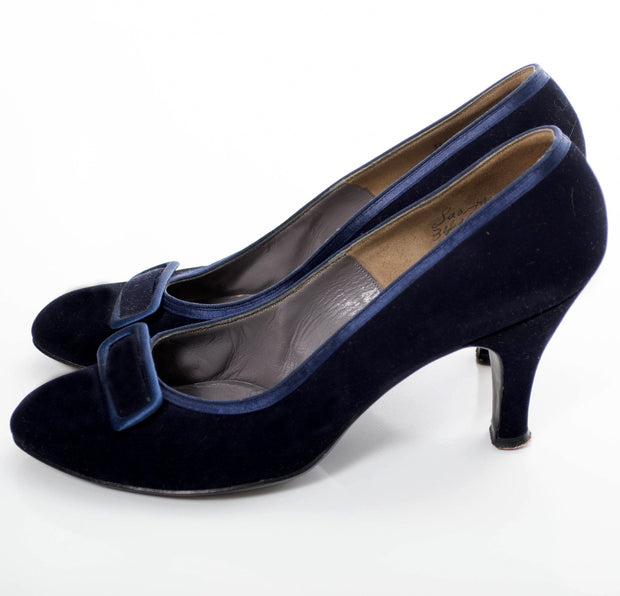 Vintage Evins 1940s Blue Velvet shoes 8.5 M - Dressing Vintage