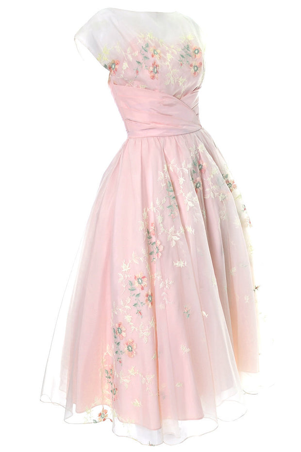 1950s Vintage Dress Pink Fairytale Gown Floral Embroidery Full Skirt - Dressing Vintage