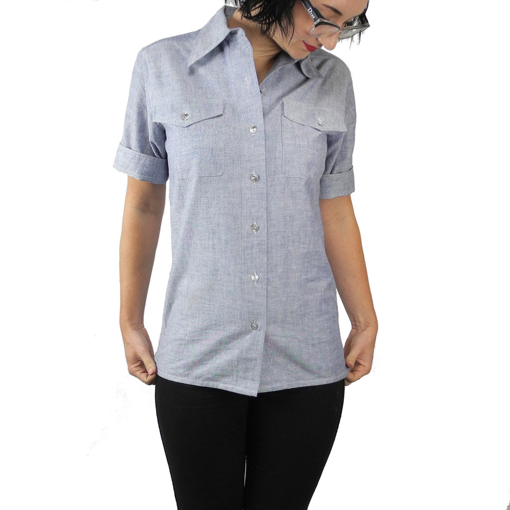 1950's Women's Chambray Short Sleeve Utility Work Shirt - Dressing Vintage