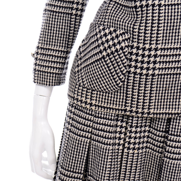 Vintage 1960s Black White Houndstooth Wool Skirt Suit with Jacket