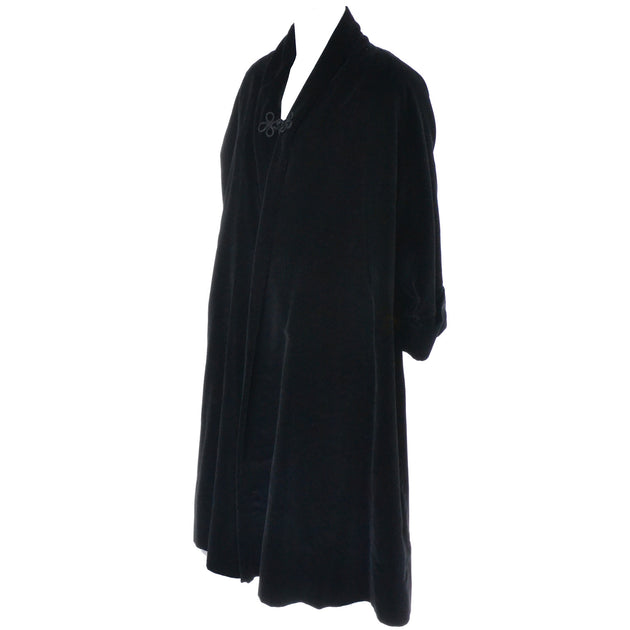 012ba9edf Black Velvet Opera Swing Coat Sun Kissed California 1950s – Dressing Vintage
