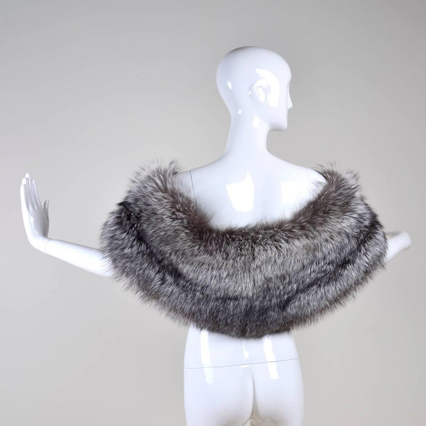 Luxurious fur stole wrap jacket coat by Carolina Herrera | Dressing Vintage