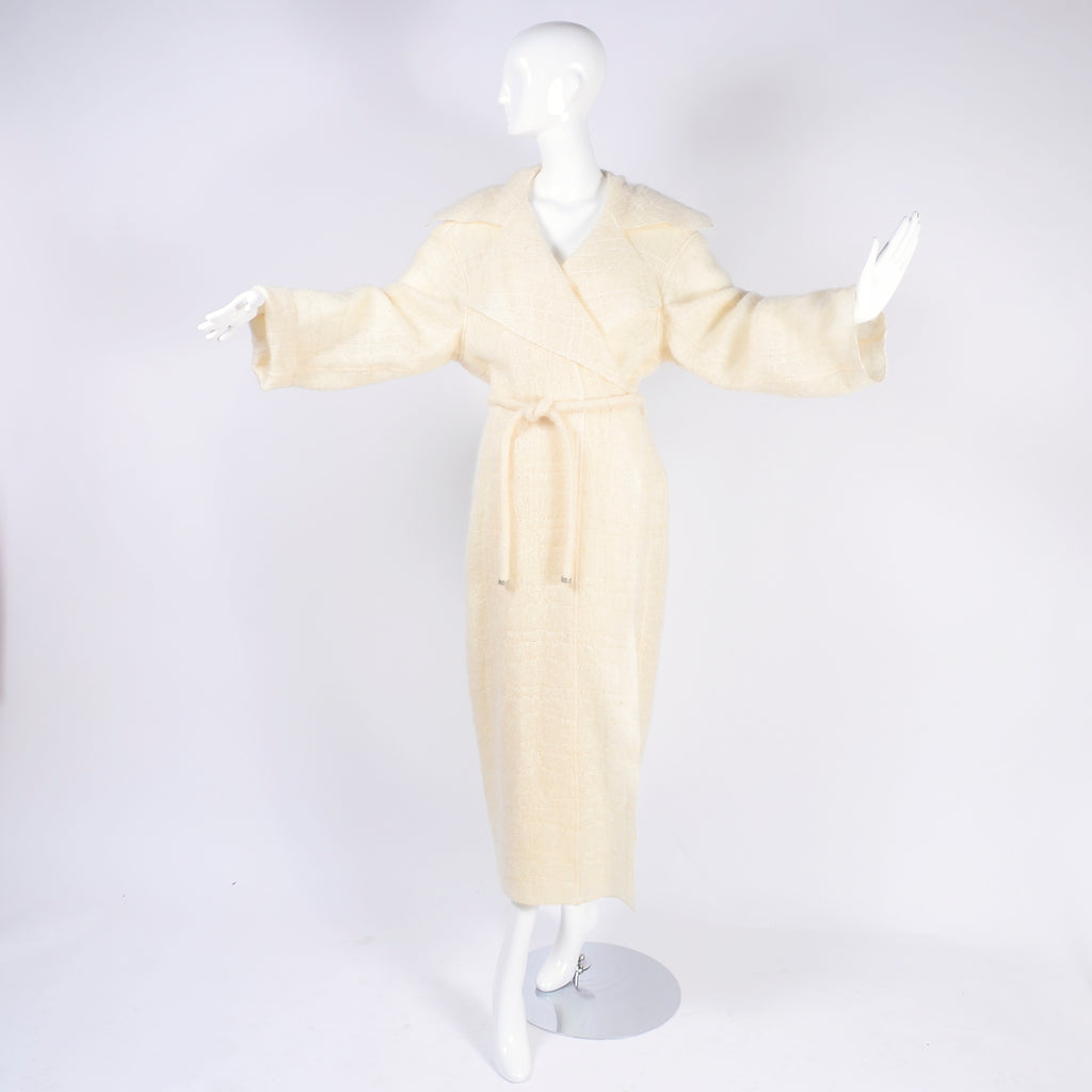 A/H 1998 Chanel Cream Mohair Wool Vintage Coat