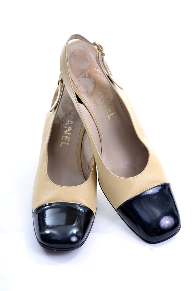 0496ddca19b 1990s Chanel Slingback Shoes Two Tone Cream   Black Cap Toe Block ...