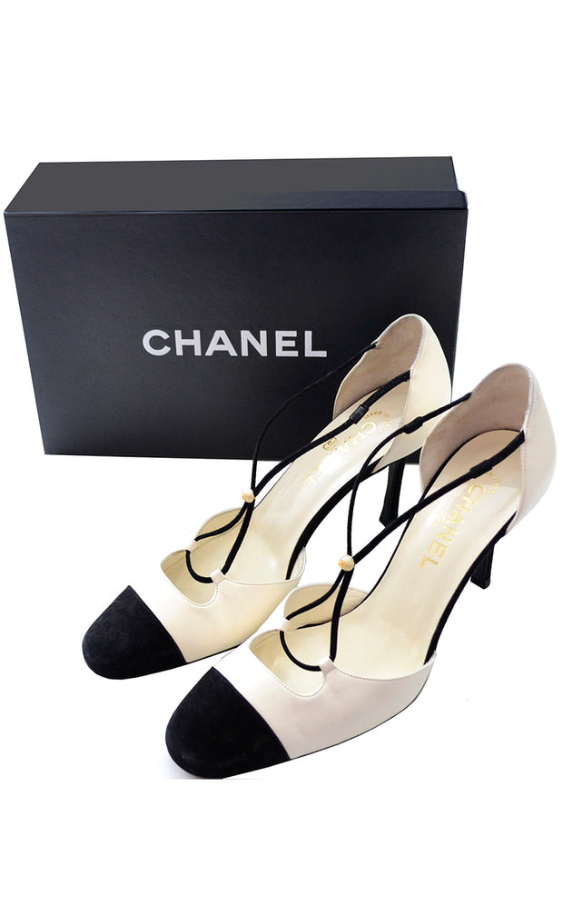 Chanel x Strap Vintage Heels Ivory & Black Shoes 2000