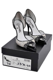 2006 Chanel Black and white woven heels with patent leather