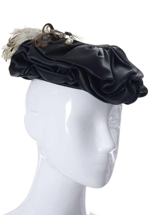 Vintage black satin tip hat with feathers Famous Barr St. Louis - Dressing Vintage