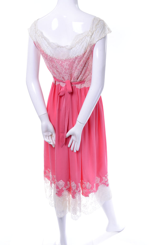 1960's White Lace Pink Vintage Peignoir Set Negligee