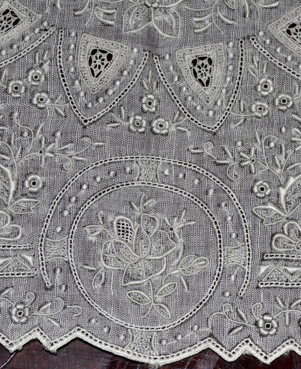 Appenzell Style Vintage Linen Handkerchief Unused Elaborate Embroidered Wedding Roses - Dressing Vintage