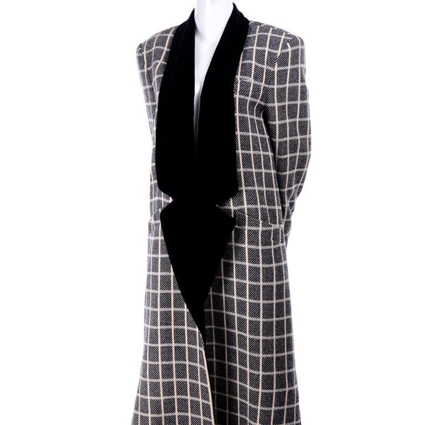Escada Gray wool long coat with white window pane pattern