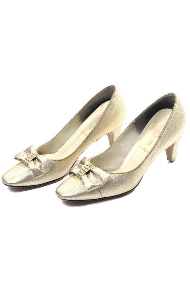 1960's Gaymode Vintage Gold Heels with Bows Size 6.5 - Dressing Vintage