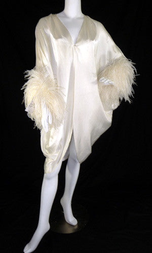 Lucie Ann Beverly Hills vintage hostess gown nightgown with feathers - Dressing Vintage