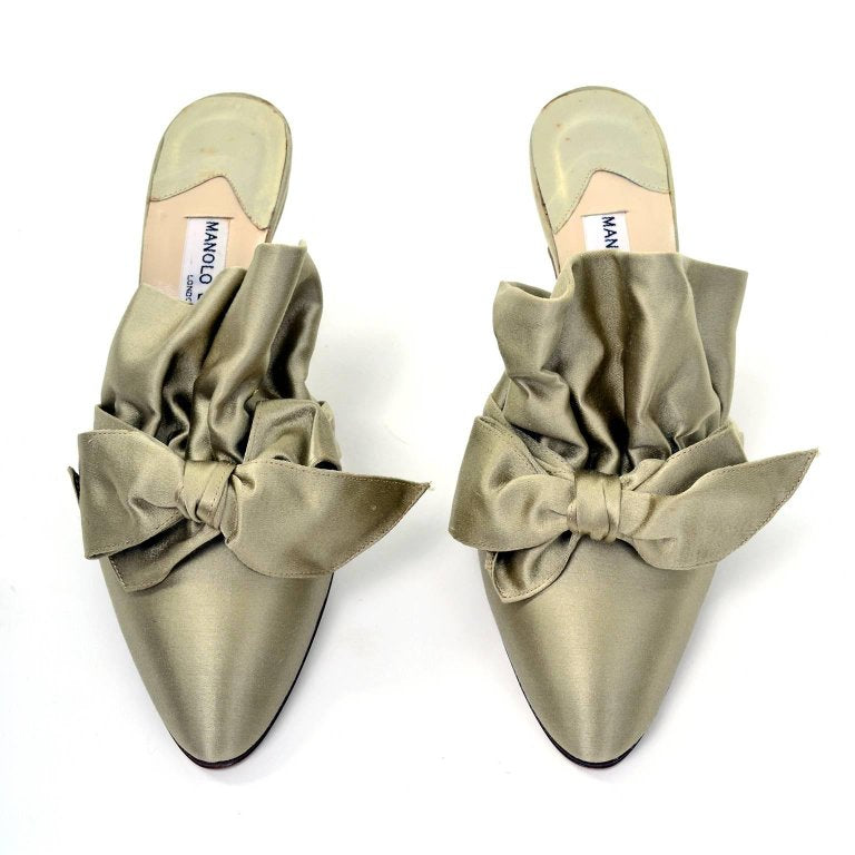 Vintage Green Satin Ruffle Mules with Bow and Small Heel - size 39 or US 8.5