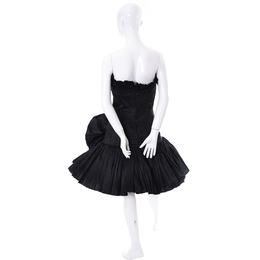 Oscar de la Renta Vintage Strapless Black Dress Flower