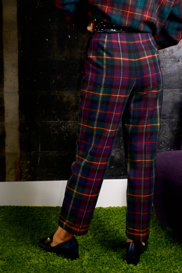 1980's High Waisted Plaid Golf Pants w/ Tapered Ankle XS