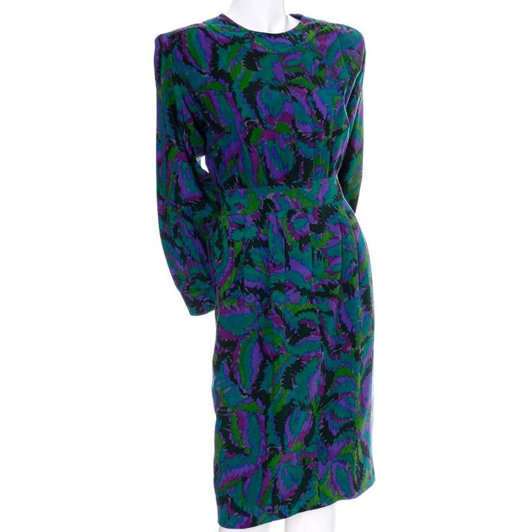 1980's vintage dress with abstract pattern on the lightweight wool. Made in France.