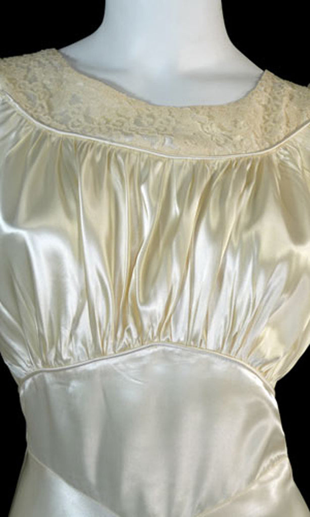 Vintage satin 1940s wedding gown dress with lace and train ...