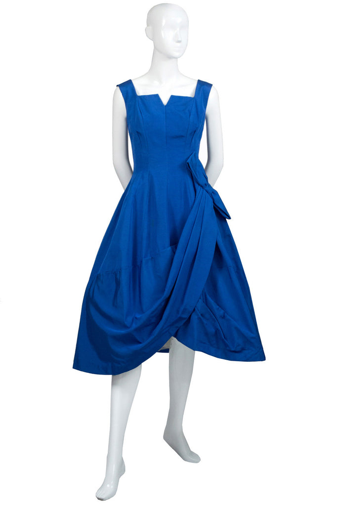 Mint condition blue 1950s vintage dress with bow