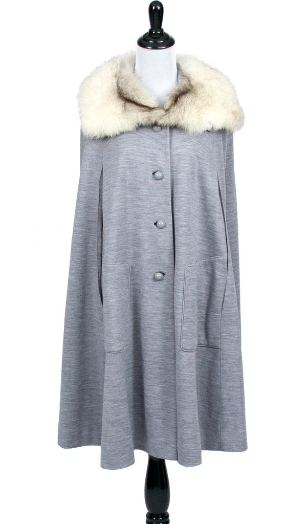 1940s gray wool vintage cape with fur collar