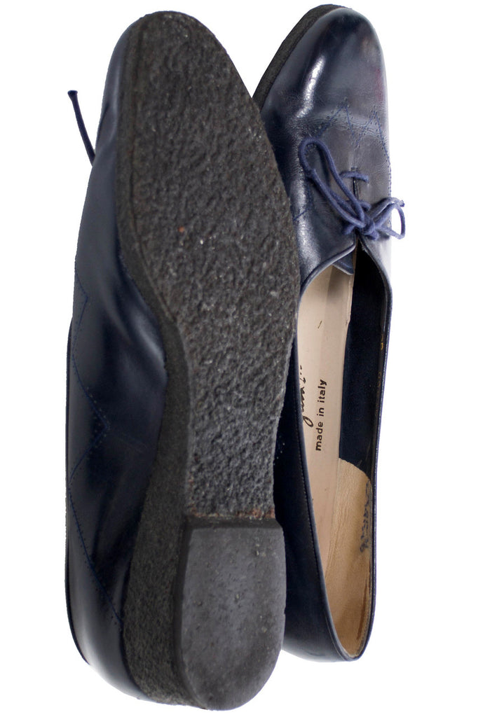 Salvatore Ferragamo vintage navy blue leather lace up shoes 9 N - Dressing Vintage
