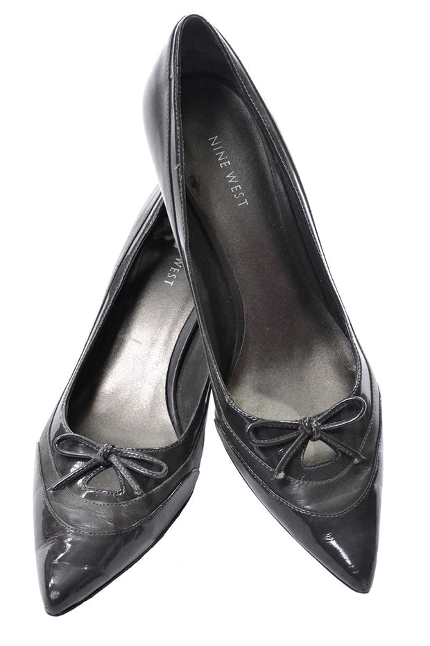 Gray Leather Nine West Pointed Toe Heels with Bow Size 10 - Dressing Vintage