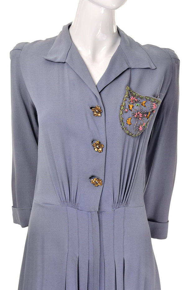 Flower buttons 1940's vintage dress