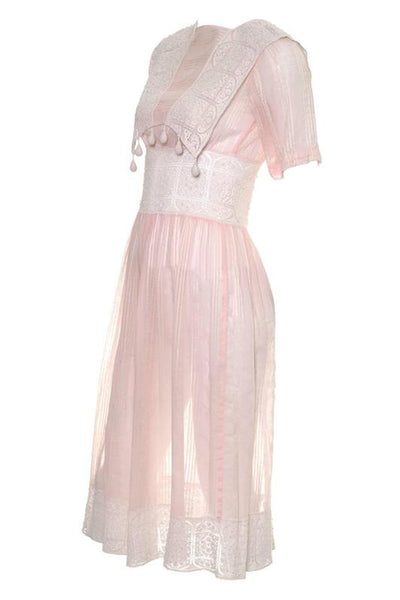 Light pink 1930's vintage dress with crochet lace details