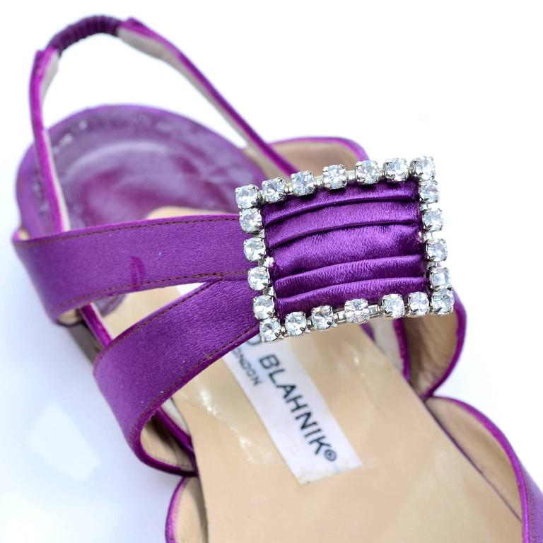 Cross strap and elastic slingback for Manolo Blahnik purple satin flats size 39