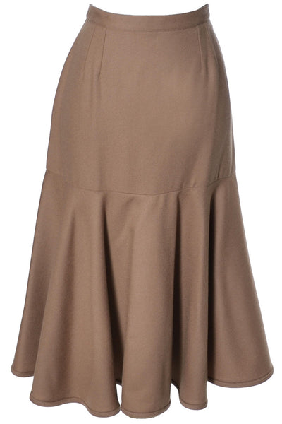Camel Wool Vintage Valentino Flared Skirt in Mint Condition - Dressing Vintage