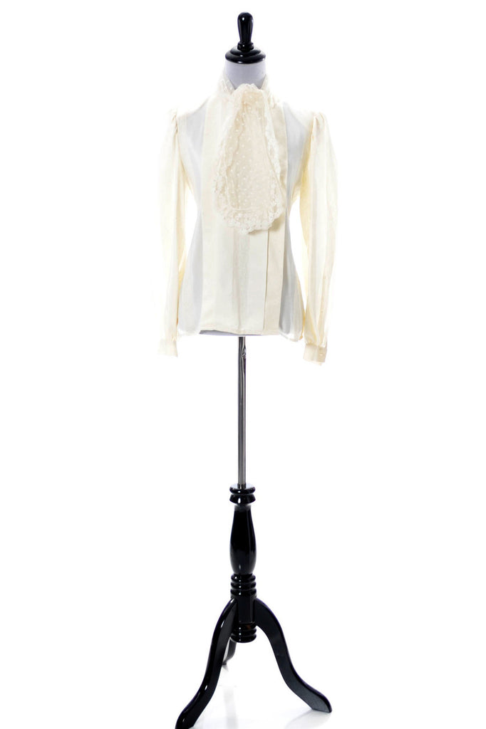 Vintage Valentino ivory silk and lace blouse