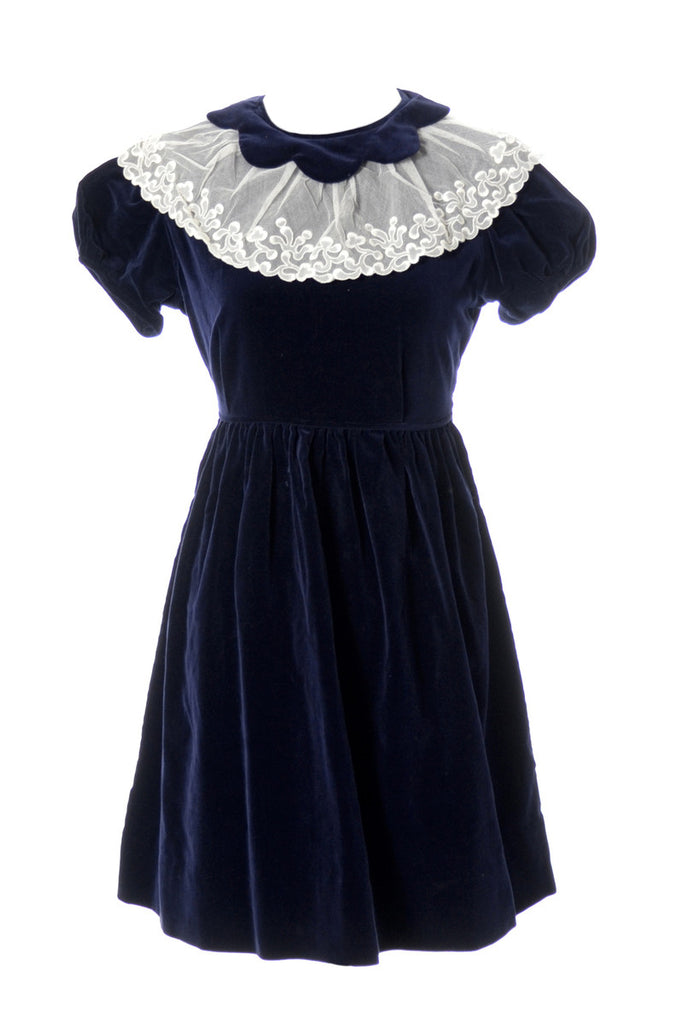 Adorable 1950s Vintage Blue Velvet Celeste Girl's Dress with Lace Collar - Dressing Vintage