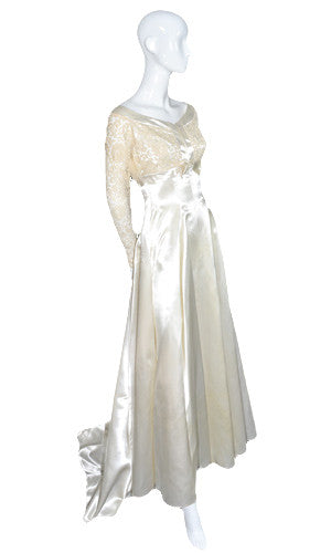 Exquisite lace and satin 1960s vintage wedding dress