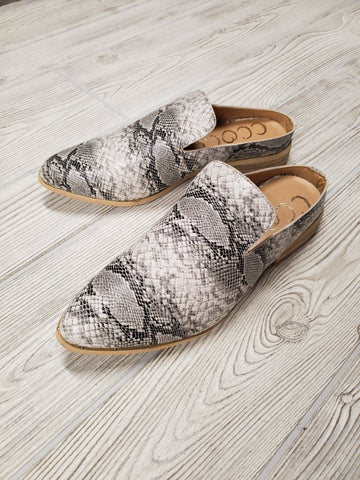 Holly Slip-On Sneaker - Grey