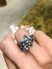 Vintage 1960s Blue Topaz Flower Pedals 14kt Yellow Gold Ring with Diamonds