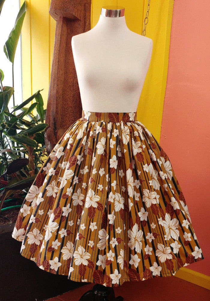 """Final Sale"" Abstract Havana Hibiscus Deluxe Beverly Gathered Skirt in Tobacco"