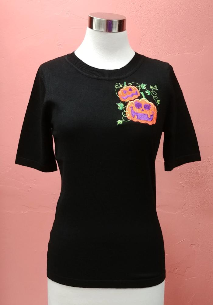 Retro Halloween Pumpkin Patch Embroidered Pullover Sweater in Black