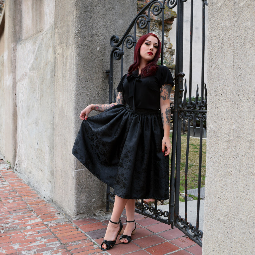 """Final Sale"" Temptress Rose Deluxe Beverly Gathered Skirt in Black Eclipse"